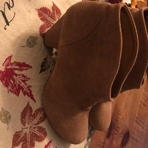 Steven by Steve Madden taupe suede booties
